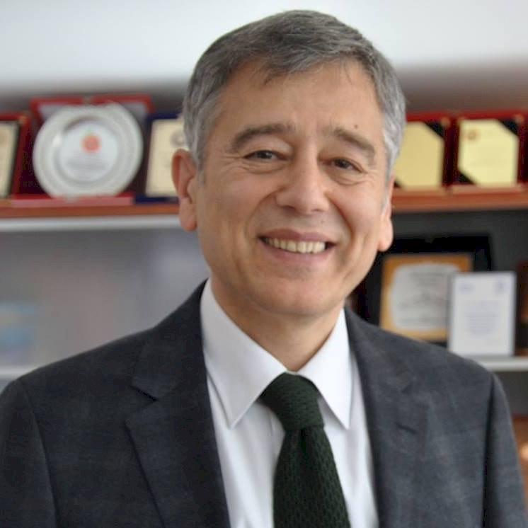 Türk Eczacıları Birliği Başkanı Ecz. Erdoğan Çolak Medikal Türk Dergisi'ne Anlattı!